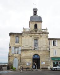 Hôtel de ville - English: Bourg sur Gironde: The