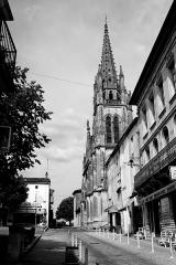 Eglise Saint-Martin -  Cadillac, France.