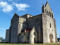 Eglise Saint-Saturnin - Français:   Église Saint-Saturnin de Mauriac (Gironde, France)