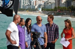 Reposoir - English: Fast Five cast (Paul Walker, Vin Diesel, Jordana Brewster, Ludacris & the Rock: Dwayne Johnson) with Natalie Morales for NBC 'The Today Show'. Photo background shows the eastern end of the Ipanema beach in Rio de Janeiro, Brazil, with lifeguard station #8 behind Vin Diesel.