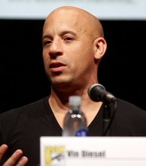 Reposoir - English: Vin Diesel at the 2013 San Diego Comic Con International in San Diego, California.