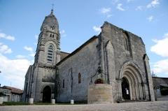 Eglise Saint-André -  Pellegrue, its church, XII-th Century, on the road to Saint-Jacques de Compostelle