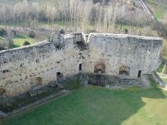 Château de Rauzan -  mur nord des fortifications du château de Rauzan