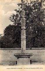 Croix du 16e siècle - Français:   Saillans sur carte-postale