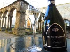Ancien couvent des Cordeliers - English: Cremant de Bordeaux Blanc Brut