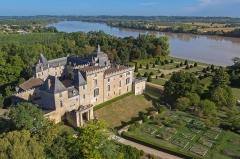 Château de Vayres - Français:   Château de Vayres en Gironde: Photographie réalisée à partir d\'un drone quadri-rotors DJI Inspire1