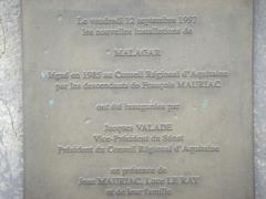 Domaine de Malagar, actuel centre culturel François Mauriac - English: Commemorative plaque — The François Mauriac Centre at Malagar (Saint-Maixant, Gironde)