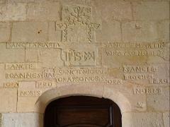 Eglise Saint-Martin -  Inscription du porche de l'église Saint-Martin de Caupenne