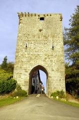 Porte de ville - Français:   Hastingues, la porte de la ville