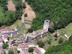 Ancien château -  Vue aérienne du Château de Gavaudun (XIIIème Siècle)