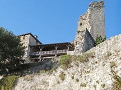 Ruines du château féodal - Français:   Château de Madaillan - Bâtiment de liaison