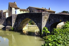 Vieux Pont sur la Baïse -  Le vieux pont et la Baïse