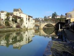 Vieux Pont sur la Baïse -  Le Petit Nérac, le pont vieux enjambant la Baïse (Lot-et-Garonne, France)