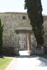 Château - Lëtzebuergesch: Entrée vum Schlass