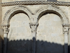 Eglise Sainte-Livrade - Français:   Sainte-Livrade-sur-Lot - Église Sainte-Livrade - Chevet - Arcature ouest