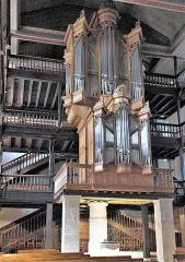 Eglise Saint-Vincent - Deutsch: Kirche Saint-Vincent in Ciboure im Département Pyrénées-Atlantiques (Region Aquitaine-Limousin-Poitou-Charentes/Frankreich), Orgel und Taufbecken