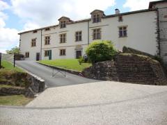 Ancien château des Barons d'Espelette ou Ezpeleta -  Espelette (Pyr-Atl., Fr) town hall