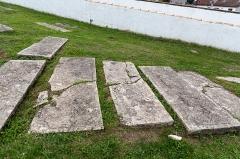 Ancien cimetière juif - English: Anciennes tombes du cimetière israélite