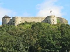 Vieux Château de Mauléon - English: West side of the castle of Mauléon-Licharre, (Pyrénées-Atlantiques, France).