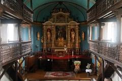 Eglise Saint-Jean-Baptiste -  Liturgical space staged on a platform.