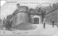 Enceinte bastionnée - English: Navarrenx-The Saint-Antoine gate in the ramparts (Pyrénées-Atlantiques, France).
