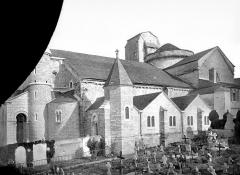 Eglise Sainte-Croix - French architectural photographer