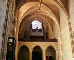 Eglise Saint-Pierre - Français:   Orthez - Église Saint-Pierre - Tribune de l\'orgue