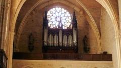 Eglise Saint-Pierre - Français:   Orthez (Pyrénées-Atlantiques, France), église Saint-Pierre, orgue construit par Aristide Cavaillé-Coll en 1870, restauré par Michel ROGER en 1925,agrandi de 5 jeux par Maurice Puget en 1958, restauré par Robert Chauvin en 1982 avec retour à l\'état 1870.