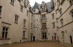 Domaine national du château de Pau ou château Henri IV - Cour intérieure du château de Pau