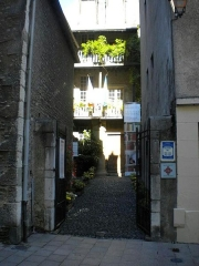 Maison natale de Charles Bernadotte - English: Entrance to Bernadotte Museum, as released by image creator Ristesson;  Place: Rue Tran, Pau, France