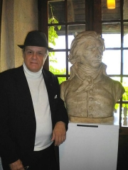 Maison natale de Charles Bernadotte - English: Jacob Truedson Demitz and bust of King Carl XIV John of Sweden-Norway (before he was Swedish royalty) at Bernadotte Museum, as released by image creator Ristesson;   Place: Rue Tran, Pau, France