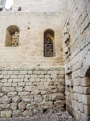 Ruines du château de Spesbourg - Français:   Porte d\'accès au donjon du chateau