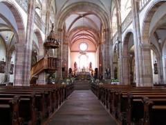 Eglise Saint-Pierre-et-Paul dite Sainte-Richarde -  Alsace, Bas-Rhin, Église Saints-Pierre-et-Paul dite Sainte-Richarde (PA00084587, IA00115010).  Vue de la nef vers le chœur.