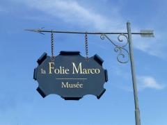 Ancien Hôtel Marco - Français:   Enseigne du musée de la Folie Marco à Barr (Bas-Rhin)