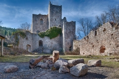 Ruines du château de Bernstein -  Hiking itinerary and surroundings available on kewl.lu/2017/02/hike-dambach-la-ville/