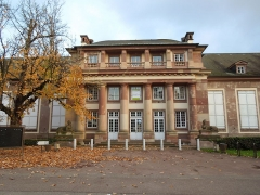 Ancien château Klinglin - English: Sphinxes devant le Pavillon Joséphine. Parc de l'Orangerie, Strasbourg.