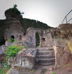 Château du Froensbourg ou Frundsberg -  DSC_2691 - DSC_2693_fused