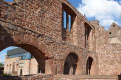Forteresse - Deutsch: Burg Lichtenberg (Elsass). Alte Mauern