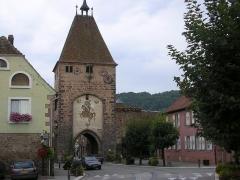 Ancienne porte de la Ville, dite de Strasbourg -  Porte de strasbourg début XIV e siecle à Mutzig (Sarther) Sarther fr:catégorie:Image de Mutzig