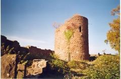 Ruines du château du Frankenbourg -  Donjon du château.jpg