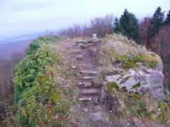 Ruines du château Ringelsboug - English: South summit of the castle of Grand Ringelstein, Oberhaslach, Bas-Rhin, France