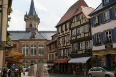Hôtel de ville - English: Kappelturm and Town Hall as seen from Rue du Chanoine Gyss, Obernai, France