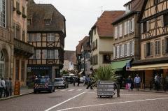 Hôtel de ville - English: Ru du Général Gouraud in Obernai, France