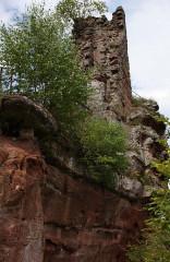 Ruines du château de Lutzelhandt - Deutsch: südlicher Burgfelsen