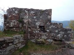 Ruines du château Ochsenstein - English: East wall of the chapel of Grand Ochsenstein, Bas-Rhin, France