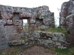 Ruines du château Ochsenstein - English: North wall of the chapel of Grand Ochsenstein, Bas-Rhin, France