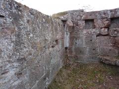 Ruines du château Ochsenstein - English: West wall of the chapel of the castle of Grand Ochsenstein, Bas-Rhin, France.
