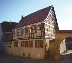 Maison -  La Rose d'Alsace, Rosheim , Bas-Rhin, Alsace, (France). See also: http://www.larosedalsace.com/index_accueil_gb.html