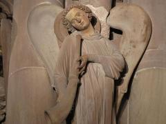Cathédrale Notre-Dame - Alsace, Bas-Rhin, Cathédrale Notre-Dame de Strasbourg (PA00085015). Croisillon sud, Pilier des Anges (XIIIe): ange musicien