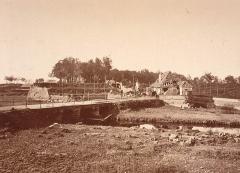 Citadelle et abords - Photographie de la citadelle de Strasbourg près de la porte de secours en 1874.